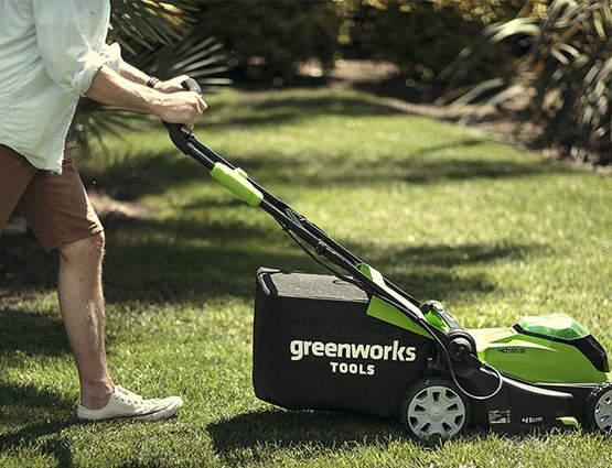Tondeuse à gazon sur batterie greenworks G40LM41
